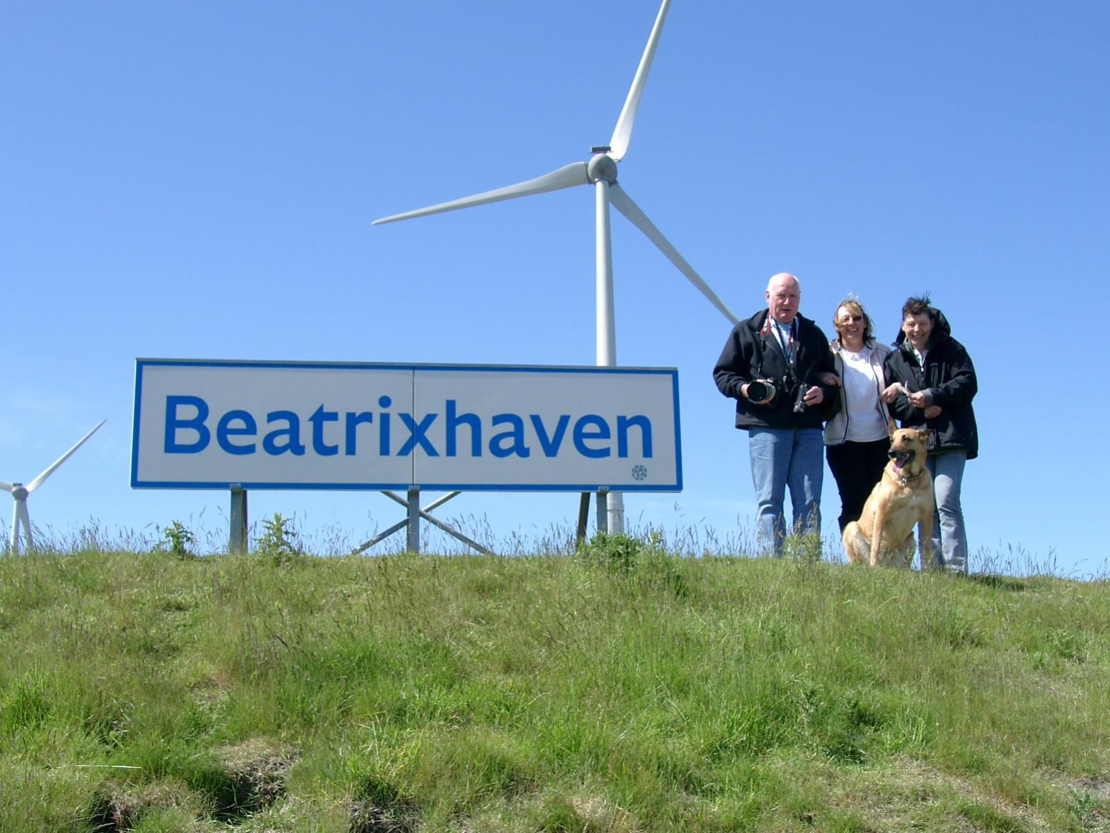 Click image for larger version  Name:NL 020613 Eemshaven the usual suspects.jpg Views:307 Size:219.8 KB ID:1327