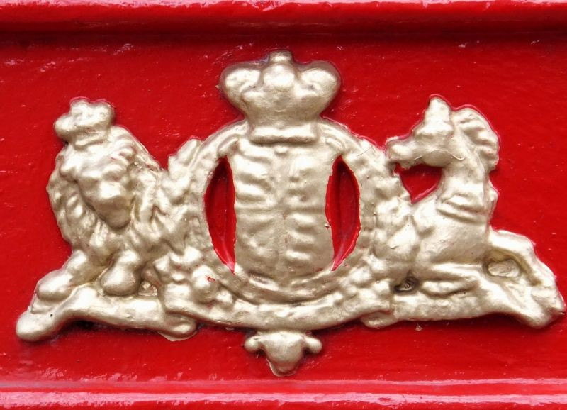 Royal Insignia.....painted gold