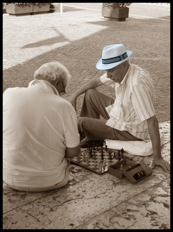 B&W Trilby and game